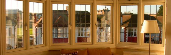 Деревянные окна: преимущества и критерии выбора